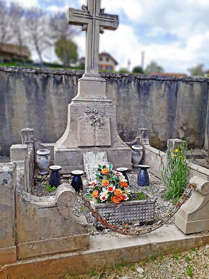 Tombe des Parents de Maître PHILIPPE
